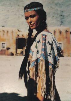 Cherokee Indian Women, Cherokee Woman, Native Indian, Princess Beauty, Native American Girls, Native American Beauty, American History, American Symbols, Carnival