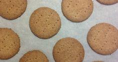Μπισκότα τύπου digestive με αλεύρι ολικής άλεσης - Eatbetter Dog Food Recipes, Cooking Recipes, Love Food, Biscuits, Sweets, Cookies, Desserts, Crack Crackers, Crack Crackers