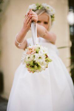 alternative to a flower girl basket