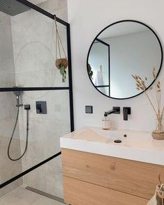 New Bathroom Ideas, Bathroom Inspo, Bathroom Design Small, Bathroom Interior Design, Bathroom Inspiration, Master Bathroom, My Ideal Home, Bathroom Toilets, New Homes