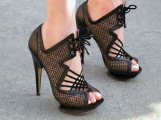 fashion, style, woman shoes, black shoes, black heels, sandal, nicholas kirkwood, killer heels, mesh