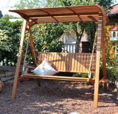 Die wunderschöne Hollywoodschaukel Elegance ist ein Ort um sich zurückzuziehen, ein Buch zu lesen oder einfach nur zu entspannen. Das Eukalyptus Holz strahlt Wärme aus und verleiht jedem Garten einen gemütlichen Charme. http://www.plus.de/p-1520552000?RefID=SOC_pn