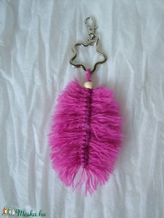 Flamingótoll 1. - táskadísz, kulcstartó (Blackata) - Meska.hu Personalized Items