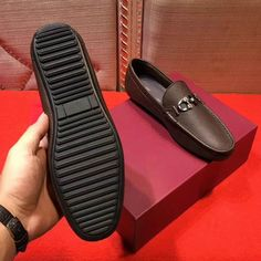 Ferragamo Driver Loafer sale here, you could wear them every time at everywhere. They could promote your dress sense, don't hesitate any more, buy your Salvatore Ferragamo products now! Loafers Outfit, Loafer Shoes, Loafers Men, Men's Shoes, Dress Shoes, Business Shoes, Formal Shoes For Men, Tabata, Men's Collection