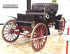 Sears Model P, voiture routière de 1911  La Sears Model P, cette voiture de collection fut construite de 1911 à 1912 à 3500 exemplaires toutes périodes vendu $445, carrosserie buggy 2 places + siège arrière 2 places moteur bicylindre de 103,7cid - 14cv.