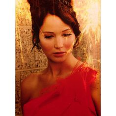 Katniss Everdeen. ❤ liked on Polyvore featuring hunger games, the hunger games, people, jennifer lawrence and pictures