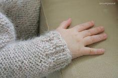 carinahjemmet: Skappelgenser til Josefine Baby Outfits, Baby Knitting Patterns, Fingerless Gloves, Arm Warmers, Infinity, Diy, Fashion, Recipes, Dots