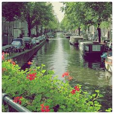 Would love to do the houseboat(?) vacation here>>Amsterdam