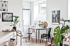 Den öppna planlösningen gör att ljuset flödar fritt in i bostaden. Bjurfors.se