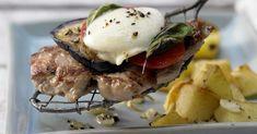 Überbackene Kalbsschnitzel mit Aubergine und Mozzarella: Kalbfleisch, Gemüse und Käse versorgen den Körper mit reichlich Vitamin B2, B6 und Zink.