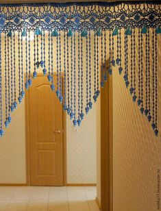 Get 38 crochet curtain patterns for free. Tons of photos inside with multiple patterns for curtains to decorate your home. Crochet Curtain Pattern, Crochet Curtains, Beaded Curtains, Curtain Patterns, Crochet Doilies, Crochet Lace, Curtain Ideas, Filet Crochet, Thread Crochet