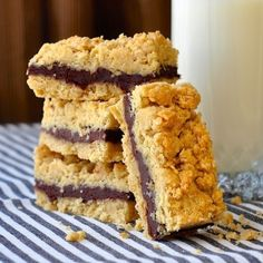 Nutella fudge crumble bars via lovethispic.com