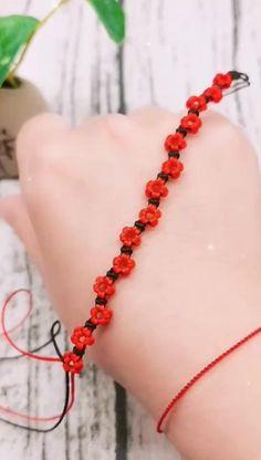 Diy Friendship Bracelets Tutorial, Diy Bracelets Easy, Friendship Bracelet Patterns, Bracelet Tutorial, Handmade Bracelets, Macrame Jewelry Tutorial, Handmade Wire Jewelry, Diy Crafts Jewelry, Diy Crafts For Gifts