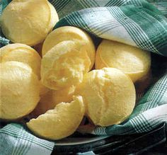 Pao de Queijo | 10 Typical Brazilian Food Everyone Should Try