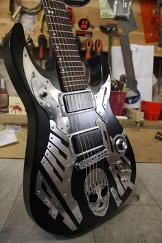 Aluminium Guitars -Handmade in France.
