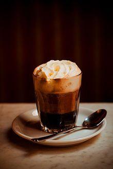 ウィンナ・コーヒー - Wikipedia