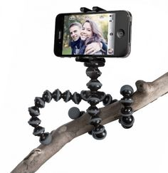8 Smartphone Accessories That Should Be On Your Christmas List on the creativeLIVE blog