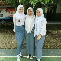 Girls School, School Uniform Girls, Army Police, Hijab Collection, Indonesian Girls, Blouse And Skirt, Hijab Fashion, Pilot, Normcore