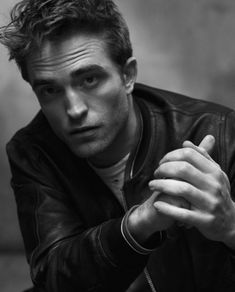 Robert Pattinson Twilight, Robert Pattinson Dior, The Body Shop, Robert Douglas, Edward Cullen, New Fragrances, Dior Fragrance, Black And White Portraits, Celebrity Crush