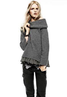 Cute off the shoulder sweater, Simona Barbieri