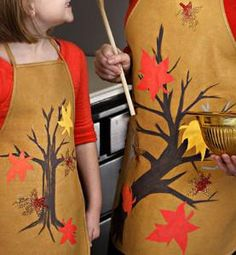Baking apple pies will bond you even further when you learn how to decorate an apron for fall. Show some autumn spirit with your best friend, your daughter, this harvest season. Fall Crafts, Arts And Crafts, Little Chef, Sewing Aprons, Harvest Season, Fall Diy, Crafty Craft, Mommy And Me, Craft Projects