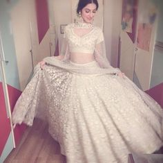 Divya Khosla Kumar at Asin Reception Indian Bridal Lehenga, Red Lehenga, Lehenga Choli, Anarkali, Lehenga White, Indian Wedding Outfits, Pakistani Outfits, Indian Outfits, Pakistani Couture