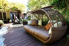 Robert Vetica's home: A twist on traditional style A lounging pod from the L. Outdoor Balcony, Pergola Patio, Outdoor Seating, Outdoor Life, Outdoor Rooms, Outdoor Living, Outdoor Furniture, Outdoor Decor, Links Of London