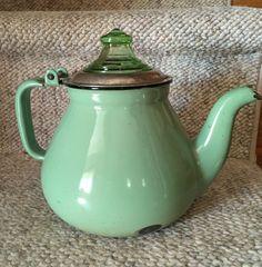 "Very Vintage Green Enamel Coffee Percolator w/vaseline Knob & ""Guts"""