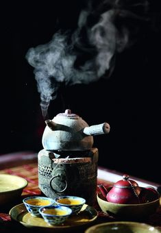 Japanese Tea and Teapot / Tè e Teiera Giapponese
