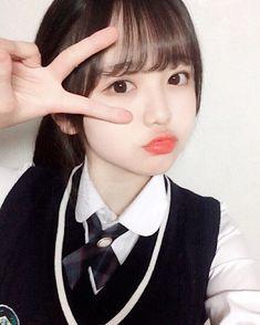 2016年 호엥 고딩 예린~~~~~ ~~~~~ 🎉 #선정고 #制服姿みたいって言ってたから #高2の時の写真 #載せとこ School Girl Japan, School Uniform Girls, Japan Girl, Girls Uniforms, Snap Girls, Sweet Girls, Cute Girls, Asian Cute, Beautiful Asian Girls