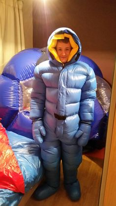 Gilet Guy — puplynx: A friend had me try on his down suit. Down Suit, Pvc Raincoat, Winter Gear, Happy Puppy, Try On, Hot Boys, The North Face, Winter Jackets, Arctic