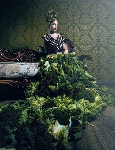 Salat Decadence Food Styling, Diana, Couture, Painting, Art, Fashion, Art Background, Moda, Fashion Styles