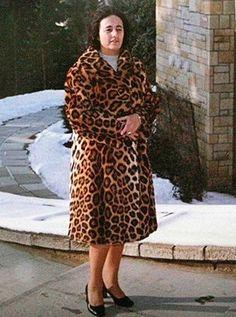 Lovitură de stat 1989 | Nicolae Ceauşescu Preşedintele României site oficial Romania, Mtv, High Neck Dress, Nicu, Columns, People, Instagram, Fashion, Military