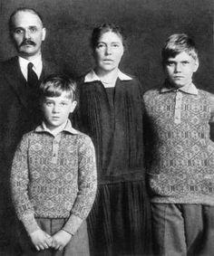 "Grand Duchess Olga Alexandrovna Romanova of Russia and her family,Nikolai Kulikovsky,Guri Nikolaevich Kulikovsky and Tihon Nikolaevich Kulikovsky. ""AL"""