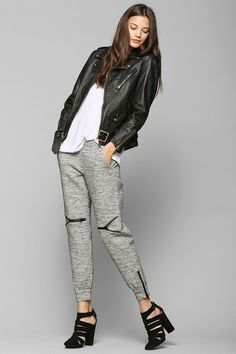 Jogger Sweatpants, College Fashion, College Style, Dungarees, Street Style  Women, Urban Outfitters, 2014 Trends, Clothespins, Moto Jacket 0750674f854