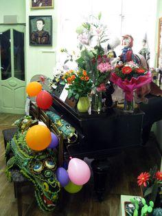Шарики, цветы, куклы!