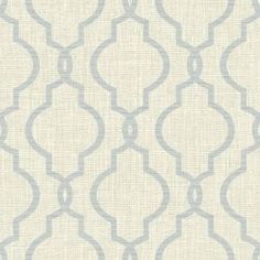 A modern quatrefoil wallpaper ideal for the coast or the city. This versatile design has a light grey weave print background with a darker grey print. Pearlescent gold flecks create a subtle shimmer. Casas Magnolia, Grey Wallpaper Samples, Trellis Wallpaper, Magnolia Homes, Quatrefoil, Joanna Gaines, Mild Soap, Palm Springs, Pattern