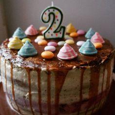 """Торт """"от Мишель"""" для Мишеля Шоколадный и ванильный бисквиты, малиновое желе, заварной крем со сливками Рецепт с сайта cafeiryna.blogspot.ru #food #cake #на_сладкое #торт #заварнойкрем #вкусно #десерт #детям #dessert"""