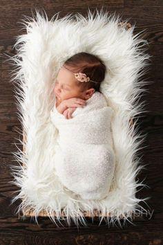 Cute diy newborn photography props ideas 40