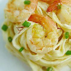 Linguine with Shrimp and Saffron Cream - a creamy lower fat alfredo version bursting with flavor and color of saffron.