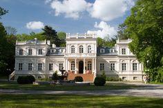 Palace Chojnata, Wola Chojnata, Łódzkie province, Poland.