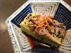 Tofu casero con tropezones de Edamame: http://www.gastronomistas.com/tutorial-para-hacer-tofu-casero/