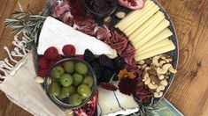 """""""Cheese By Numbers"""" Creator Marissa Mullen's Guide to Building a Beautiful Cheese Plate Every Time Nachos, Appetizer Recipes, Appetizers, Block Of Cheese, Wine And Cheese Party, Best Party Food, Cheese Platters, Food Videos, Good Food"""