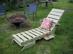 lounger made from pallets