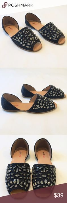 🎉HP🎉 NWOT JustFab Black Embellished Sandals Black woven slip on sandals with crystal embellishments by JustFab.  Size 8.5.  Never worn - new without box! JustFab Shoes Sandals