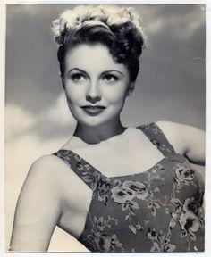 Joan Leslie Movie Glamour Photo 1940s