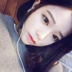 Image via We Heart It https://weheartit.com/entry/168527162/via/31112440 #girl #ulzzang #selca