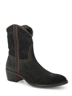 ANDALUXX Black suede ankle boots