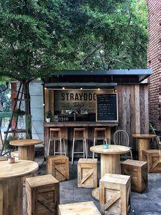 Cafe Shop Design, Coffee Shop Interior Design, Kiosk Design, Cozy Coffee Shop, Small Coffee Shop, Outdoor Restaurant Design, Restaurant Interior Design, Cafe House, Outdoor Cafe