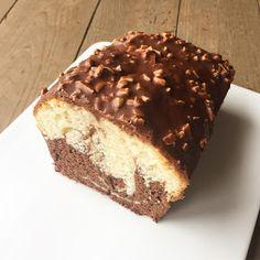 J'en reste baba: Cake marbré et glaçage rocher chocolat au lait, éclats d'amandes